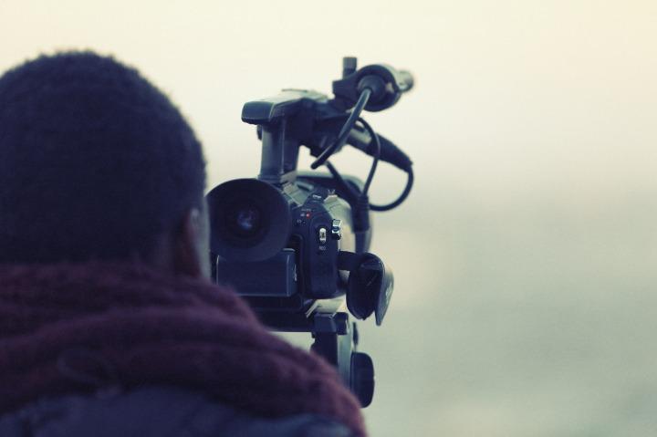 videographer-paparazzi